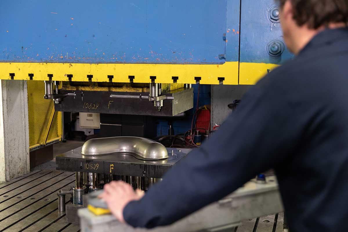 uhi employee staping parts