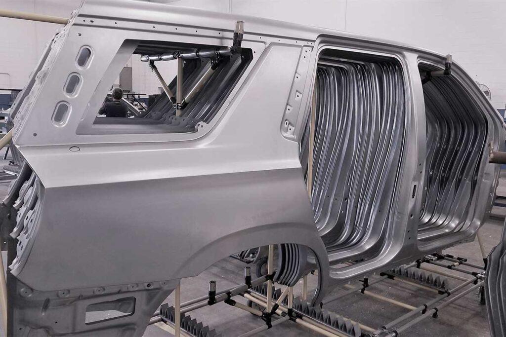 large automotive side panels by uhi